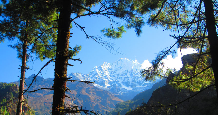 Beautiful Everest view on frame.