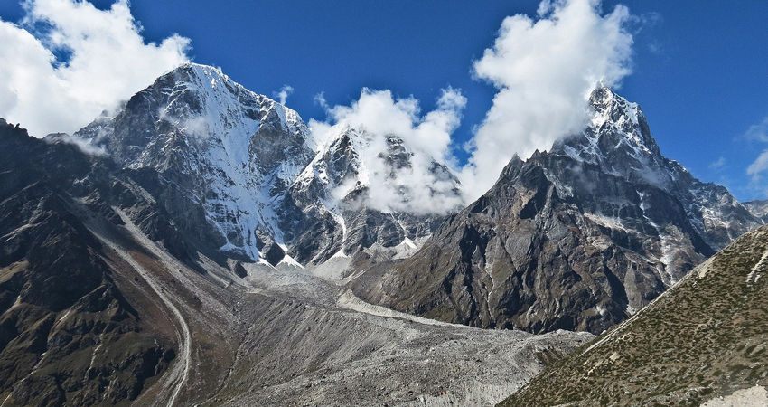 Tawache and Cholatse in the everest region